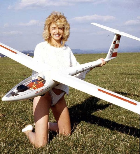 A woman that can fly rc planes